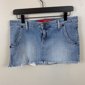 Guess denim mini skirt/ stretch/ size 29